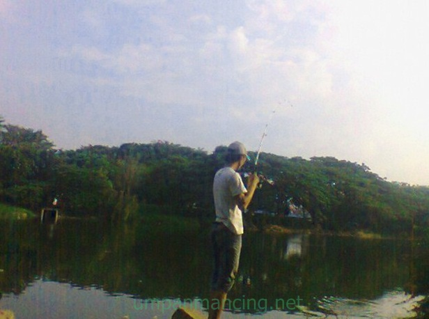 tempat mancing danau duta